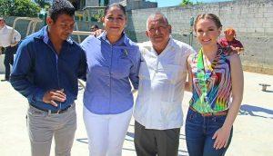 Acude Fátima Priego de Bascarán, representante de Centro 2018, a encuentros con habitantes