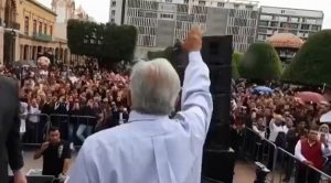 Cierra López Obrador precampaña en León y Guadalajara