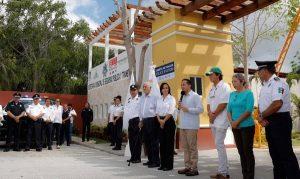 Inauguran Laura Fernández y Carlos Joaquín caseta de vigilancia en bahía Petempich