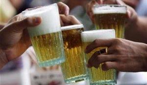 Reportan incremento de consumo de bebidas alcohólicas en jóvenes durante vacaciones