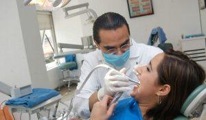 Detectan en programa de salud de la UV que 85% de alumnos tienen problemas dentales