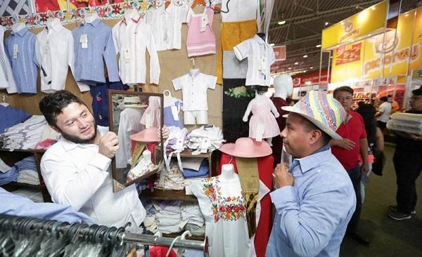 6f9b185257 En busca de ampliar el mercado de la guayabera y dar mayor proyección a esta  prenda icónica ...