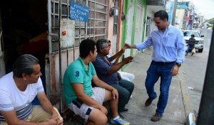 Adultos mayores parte importante en la sociedad: Pancho Peralta
