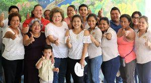 A comparar trayectorias invitó Candita Gil a ciudadanos de Tacotalpa