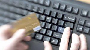 Incrementan fraudes por compras electrónicas: Condusef