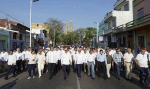 Conmemoran autoridades y obreros Día del Trabajo en Tabasco