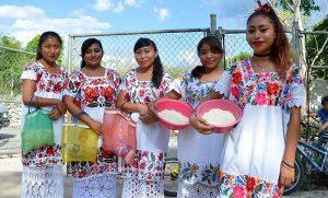 Jóvenes mayas revaloran su lengua y costumbres a través de la música