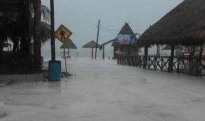 Quintana Roo pide declaratoria de emergencia por lluvias
