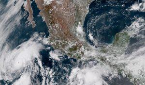 Se mantienen pronósticos calurosos, sin descartar lluvias por nueva Onda Tropical en la península de Yucatán
