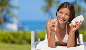 Recomiendan expertos dejar de broncearse pues daña la piel