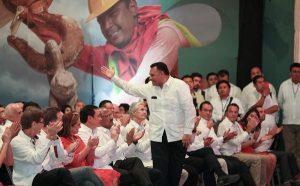 Acude Rolando Zapata Bello a Informe de Gobierno en Campeche
