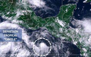 Emiten alerta azul en costas de Oaxaca por depresión tropical 11-E