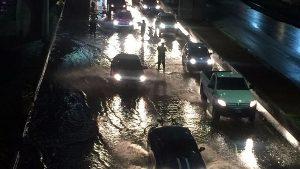 Afectan lluvias vialidades del poniente y sur de la CDMX