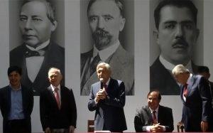 Presenta AMLO a más integrantes de su Gabinete