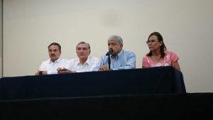 Llama López Obrador a empresarios a fortalecer sector petrolero
