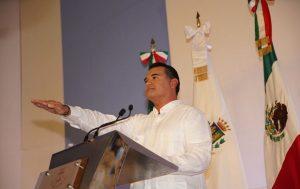 Renán Barrera Concha rinde compromiso como Presidente municipal de Mérida