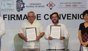 Firman convenio Tecnológico La Venta y Ayuntamiento de Agua Dulce, Veracruz