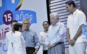 Estudiantes de excelencia abonan a un mejor futuro: Arturo Núñez