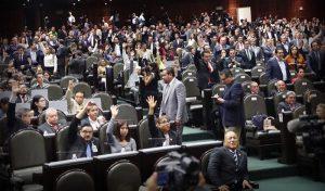 Aprueban Diputados Ley para bajar sueldo a servidor público