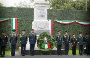 Soldados y Marinos refrendan su lealtad por México: EMP