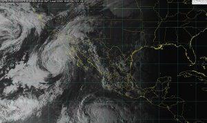 Rosa se debilitó a tormenta tropical