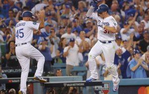 Dodgers vence a Boston en 18 entradas y se acerca en la Serie Mundial