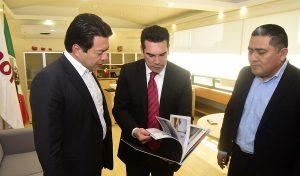 Entrega Alejando Moreno Cárdenas a diputados federales proyecto de presupuesto de Egresos para Campeche