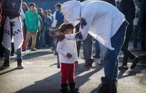 Migrantes son atendidos en albergue de CDMX