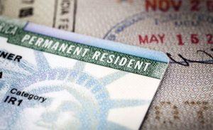 Sabes cómo obtener visa para vivir y trabajar en EU de manera permanente