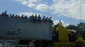 Contingente de migrantes avanza de Ciudad Isla hacia Córdoba, Veracruz; Puebla y CDMX