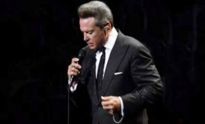Luis Miguel decepciona otra vez a sus fans en el Auditorio Nacional