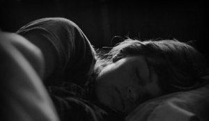 Cuida tu salud, duerme en completa oscuridad