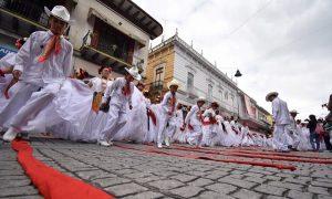 Más de 2 mil bailarines rompen récord La Bamba 2018 en Xalapa