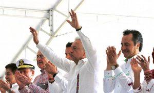AMLO anuncia zona libre para el Itsmo de Tehuantepec, bajará IVA e ISR