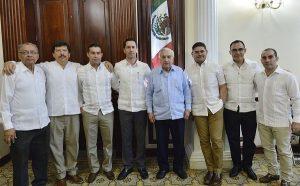 Ante Gobernador Núñez, rinden protesta siete notarios públicos