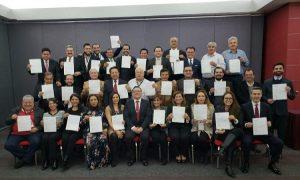 Entregó AMLO nombramientos a los 32 delegados