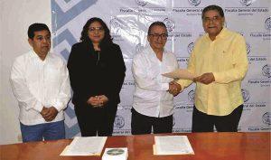 Recibe Fiscal General de Quintana Roo, a ex titular interino para el proceso de entrega-recepción