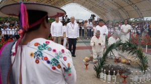 AMLO y etnias dan inicio a Tren Maya desde Palenque