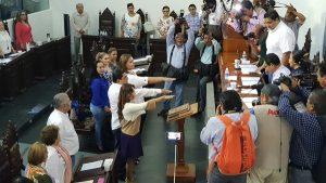 Rinden protesta como diputados Jessyca Mayo Aparicio, Alma Espadas Hernández y Jesús de la Cruz Ovando