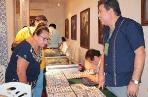 Llegan a Yucatán más de tres mil monedas y estampillas antiguas