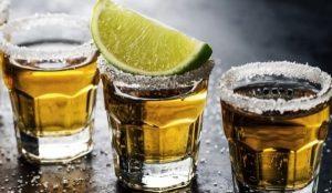 A brindar con ¡tequila!, pues ¿con qué más?