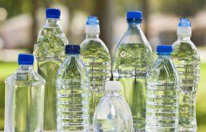 Cuidado, el agua embotellada puede dañar tu salud