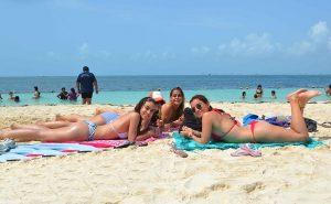 Playas de Isla Mujeres listas para recibir visitantes en estas vacaciones