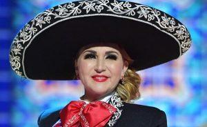 Alicia Villarreal regresa cantando ranchero