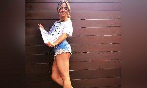 Andrea Lagarreta arranca suspiros con mini short