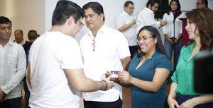 """Gobierno de Tabasco, lanza """"Tarjeta Injudet""""; beneficiará a 10 mil jóvenes cada año"""
