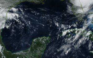 Se mantiene el pronóstico de temperaturas calurosas y probables lluvias vespertinas en la Península de Yucatán