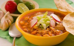 Pozole, lo preferido para festejar la Noche Mexicana