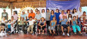 Entregan DIF Cancún y Asociaciones Civiles ayudas funcionales