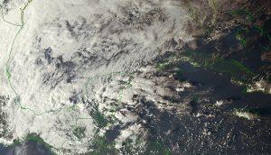 Seguirán las condiciones inestables por  Frentes Fríos 12 y 13, así como por una Onda Tropical en  la Península de Yucatán